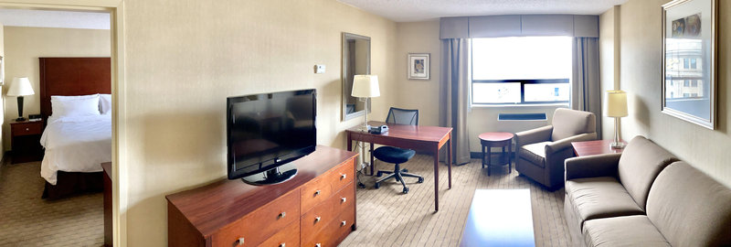 Holiday Inn Hotel & Suites Winnipeg-Downtown-Large 2 room Suite<br/>Image from Leonardo