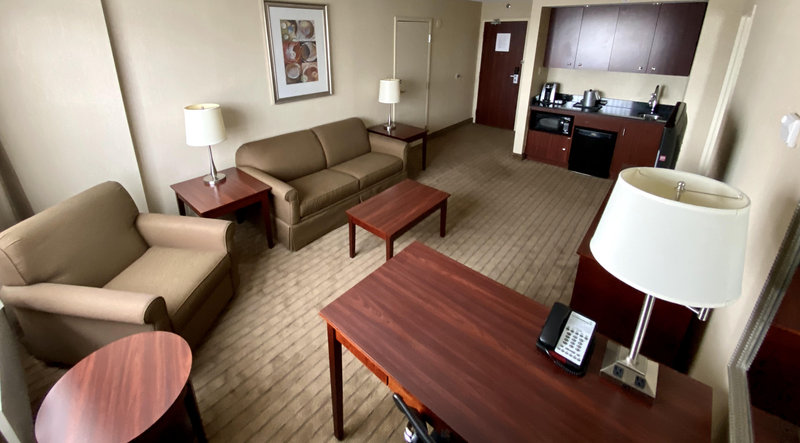 Holiday Inn Hotel & Suites Winnipeg-Downtown-Spacious Living Room <br/>Image from Leonardo
