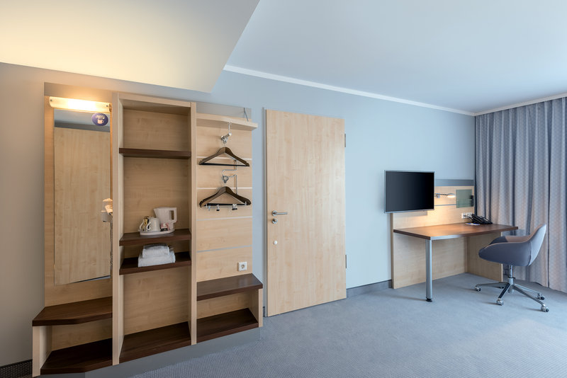 Holiday Inn Express Guetersloh-Spacious Accessible Room Type<br/>Image from Leonardo