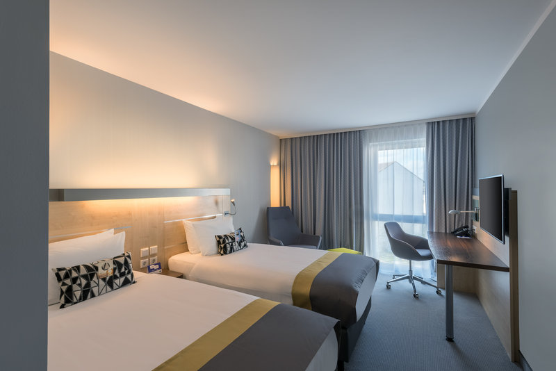Holiday Inn Express Guetersloh-Enjoy your Twin Bed Room including Tea- and Coffeemaker<br/>Image from Leonardo