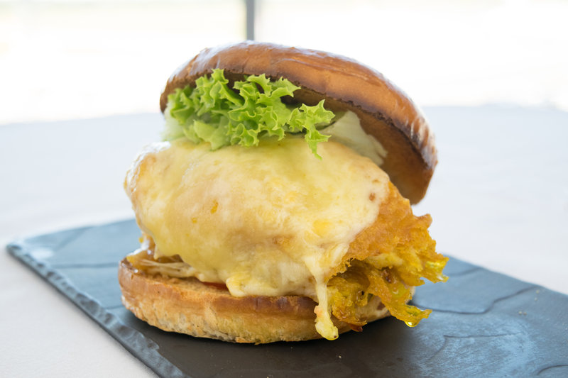 Holiday Inn Southend-Butterfried Chicken Burger<br/>Image from Leonardo