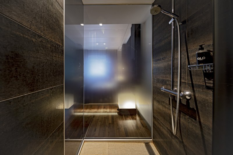 Glo Hotel Art-GLOHotel Art Comfort Double Bathroom<br/>Image from Leonardo