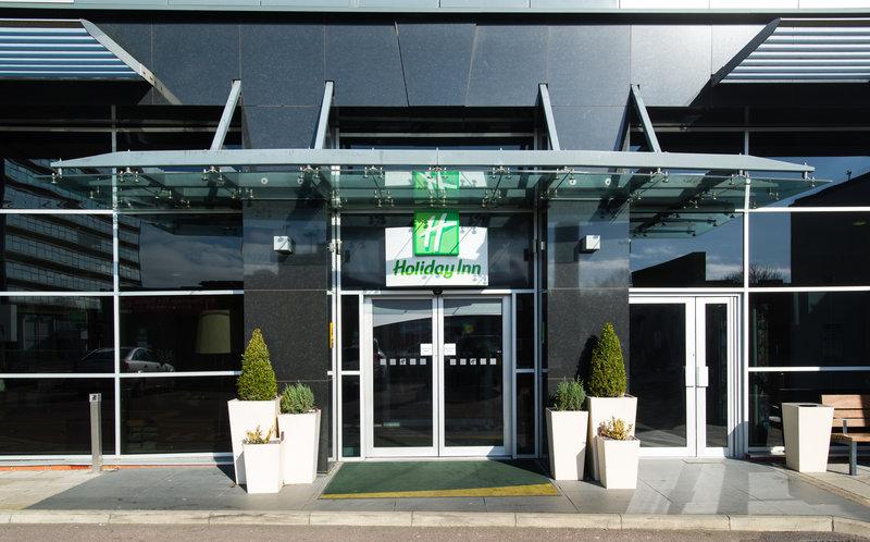 Holiday Inn Stevenage-Main Entrance<br/>Image from Leonardo