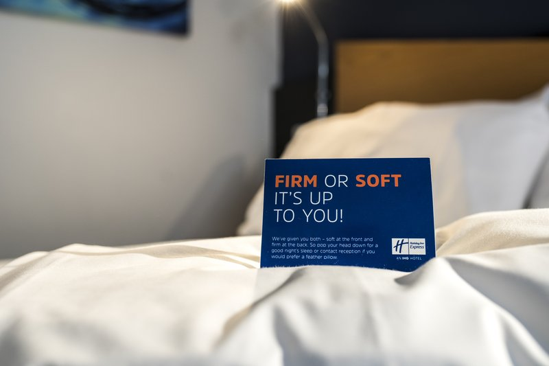 Holiday Inn Express Glasgow - City Centre Riverside-guaranteed a comfortable sleep with our in-room pillow menu<br/>Image from Leonardo