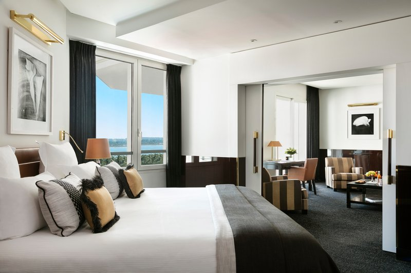 Hotel Majestic Barriere-Suite Prestige Terrasse Mer<br/>Image from Leonardo