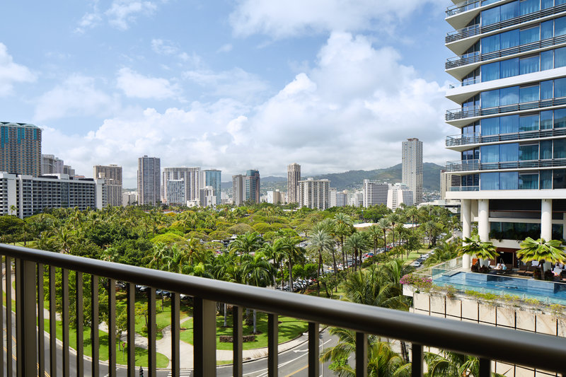 Outrigger Reef Waikiki Beach Resort - Outrigger Reef Waikiki Cityview King View <br/>Image from Leonardo