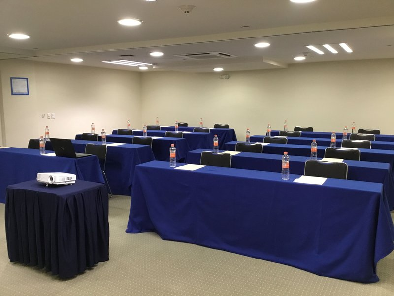 Holiday Inn Express Guadalajara Expo-Classroom Style 20 people<br/>Image from Leonardo