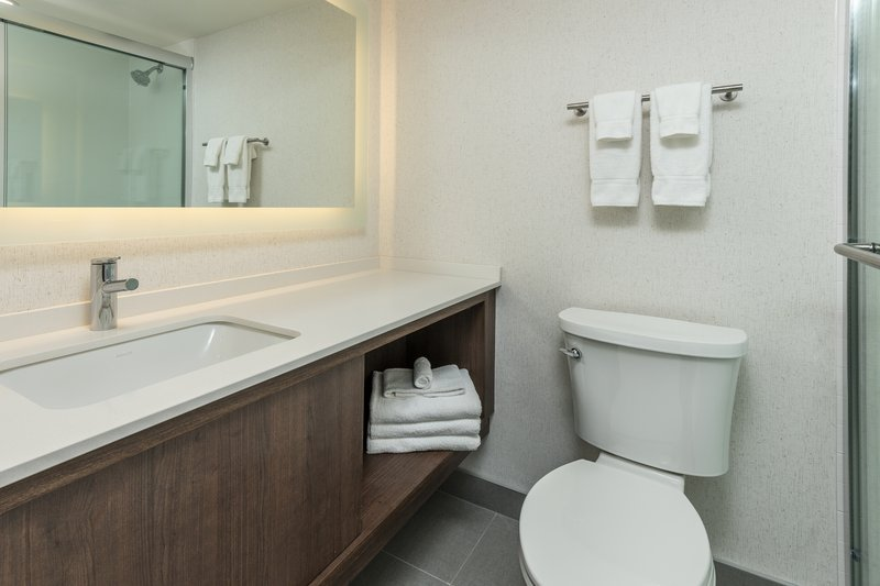 Holiday Inn Kingston - Waterfront-Modern re-design bathroom with walk-in shower<br/>Image from Leonardo