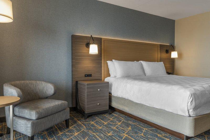 Holiday Inn Kingston - Waterfront-King room<br/>Image from Leonardo