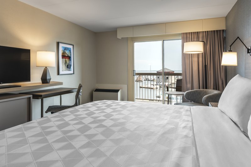 Holiday Inn Kingston - Waterfront-King bedroom with water view<br/>Image from Leonardo