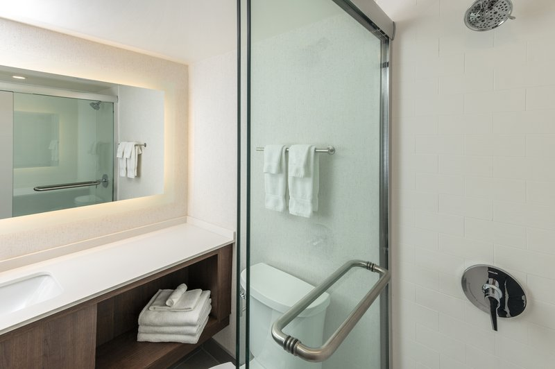 Holiday Inn Kingston - Waterfront-Guest Room<br/>Image from Leonardo