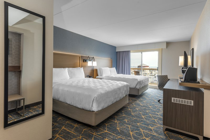 Holiday Inn Kingston - Waterfront-Modern spacious 2 Queen beds family perfect room<br/>Image from Leonardo