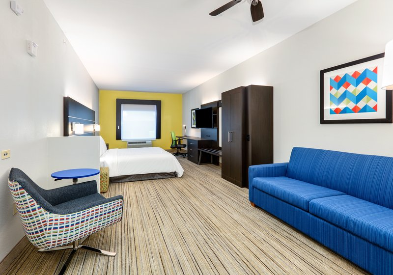 Holiday Inn Express & Suites Cleburne-Suite <br/>Image from Leonardo