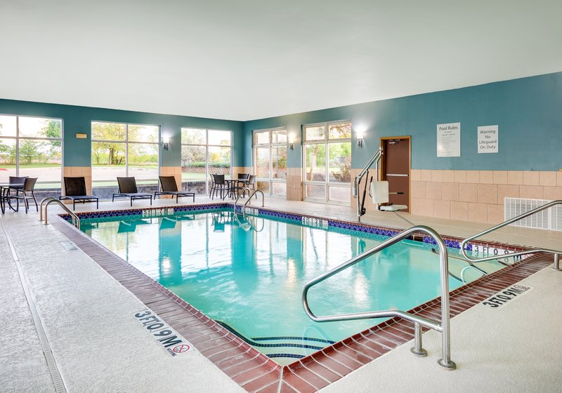 Holiday Inn Express & Suites Cleburne-Swimming Pool <br/>Image from Leonardo