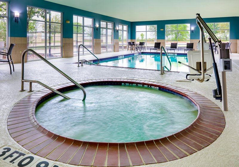 Holiday Inn Express & Suites Cleburne-Whirlpool <br/>Image from Leonardo