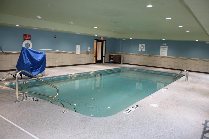 Holiday Inn Express & Suites Douglas-Swimming Pool<br/>Image from Leonardo