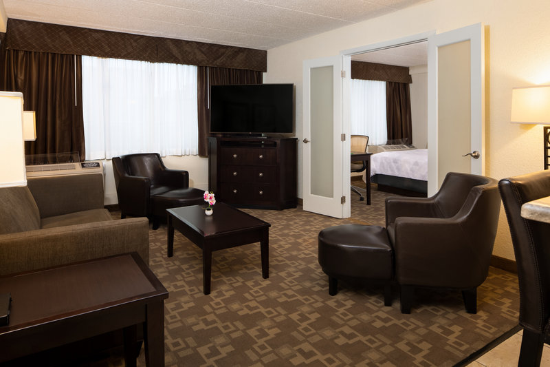 Holiday Inn Hotel & Suites Charleston West-Enjoy the extra living space our king-bedded suites provide! <br/>Image from Leonardo