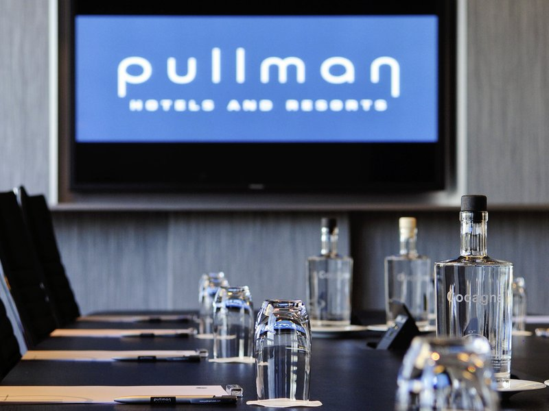 Pullman Eindhoven Cocagne-Meeting Room<br/>Image from Leonardo