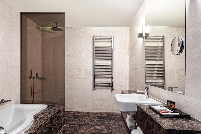 Metropol Palace Belgrade; a Luxury Collection Hotel-Special Suite - Bathroom<br/>Image from Leonardo