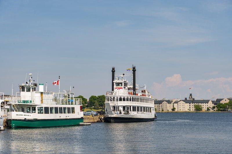 Holiday Inn Kingston - Waterfront-Ferry & Boat cruises near the Holiday Inn Kingston Waterfront<br/>Image from Leonardo