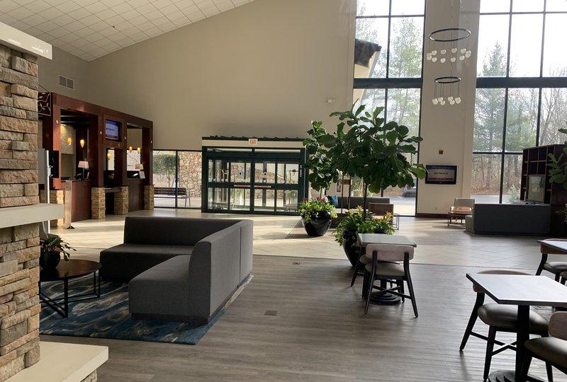 Holiday Inn Asheville - Biltmore West-Reception<br/>Image from Leonardo