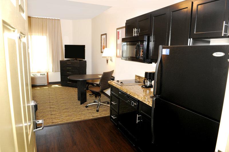 Candlewood Suites Santa Maria-Guest Room<br/>Image from Leonardo