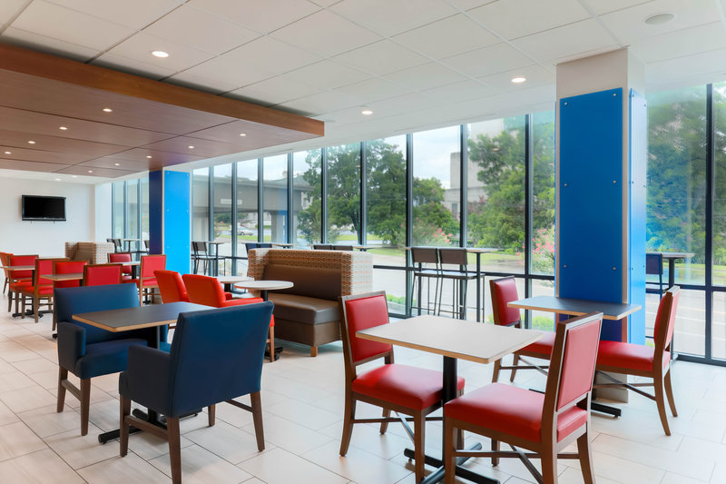 Holiday Inn Express and Suites Fort Worth Downtown-Breakfast Area<br/>Image from Leonardo