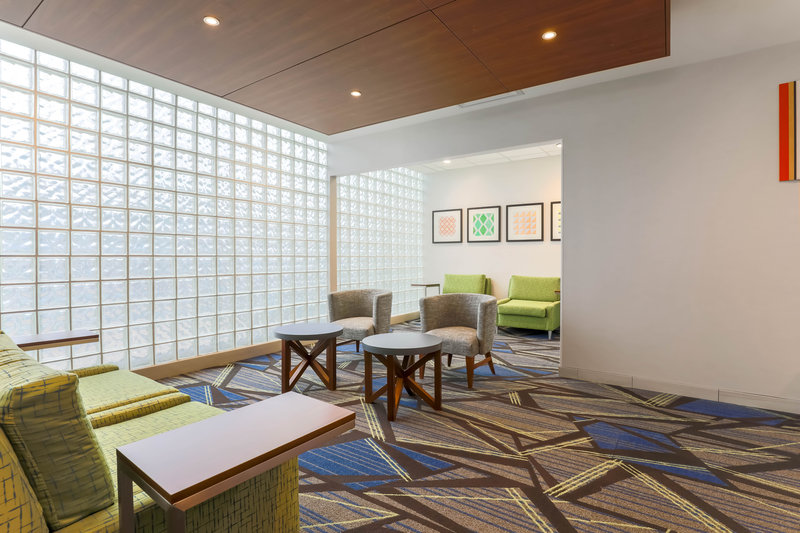 Holiday Inn Express and Suites Fort Worth Downtown-Lobby Lounge<br/>Image from Leonardo