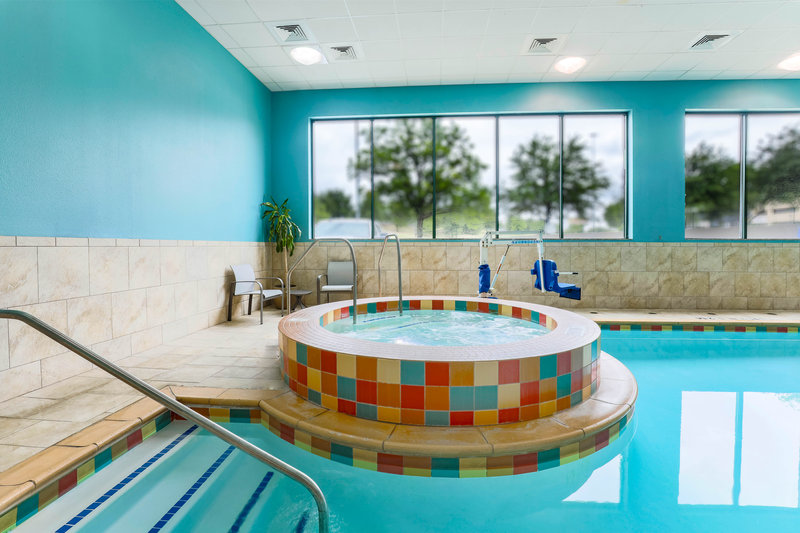 Holiday Inn Express and Suites Fort Worth Downtown-Hot Tub<br/>Image from Leonardo