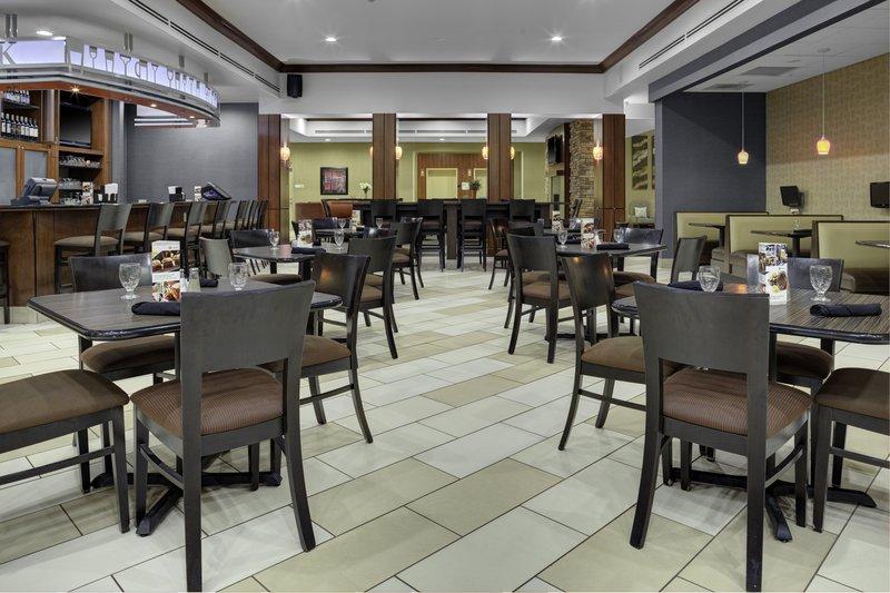 Holiday Inn Hotel & Suites Lima-Restaurant<br/>Image from Leonardo