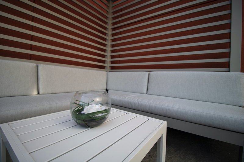 Holiday Inn Grand Rapids Downtown-Everyone likes some fresh air seating from time to time<br/>Image from Leonardo