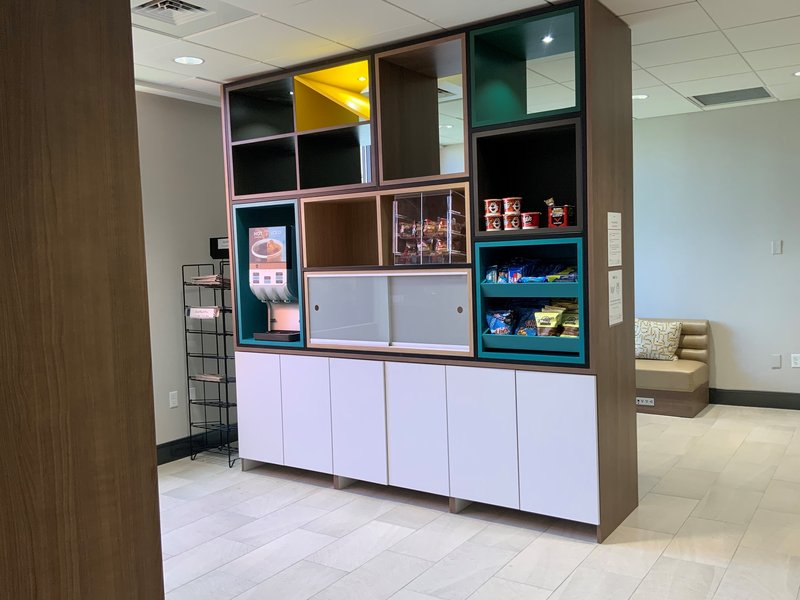 Holiday Inn Grand Rapids Downtown-Gift Shop<br/>Image from Leonardo