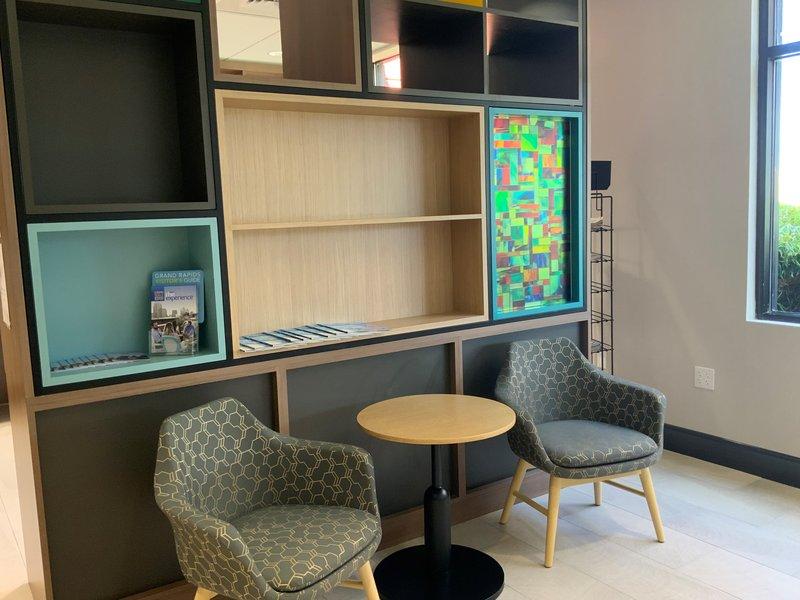 Holiday Inn Grand Rapids Downtown-Lobby Lounge<br/>Image from Leonardo