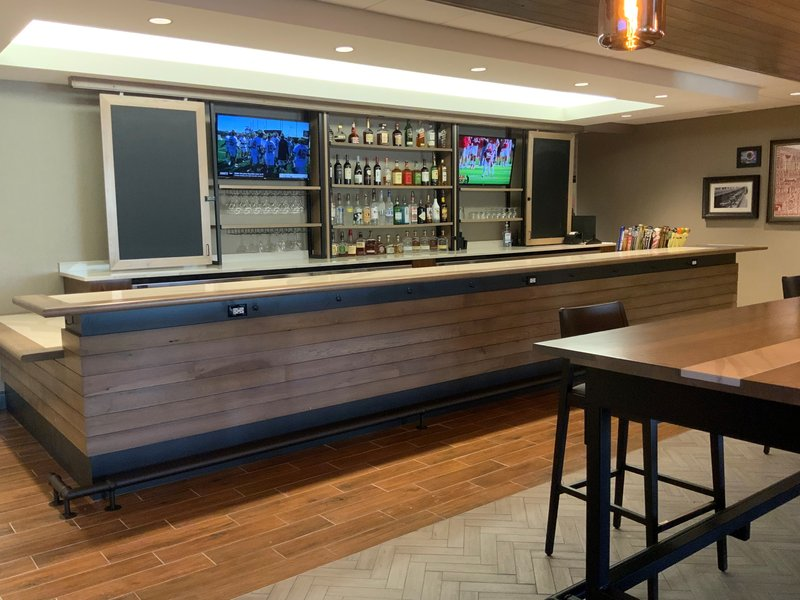 Holiday Inn Grand Rapids Downtown-Bar and Lounge<br/>Image from Leonardo