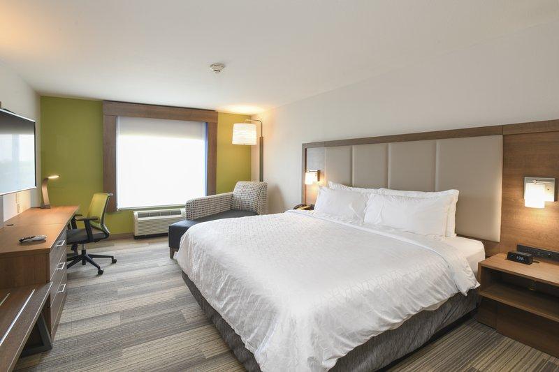 Holiday Inn Express & Suites Richwood - Cincinnati South-King Bed Guest Room<br/>Image from Leonardo