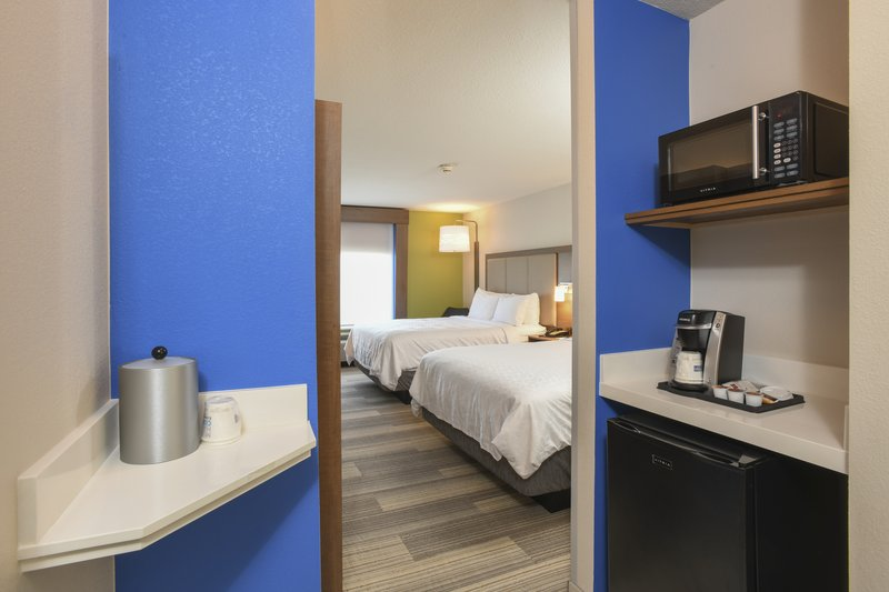 Holiday Inn Express & Suites Richwood - Cincinnati South-Double Bed Guest Room<br/>Image from Leonardo