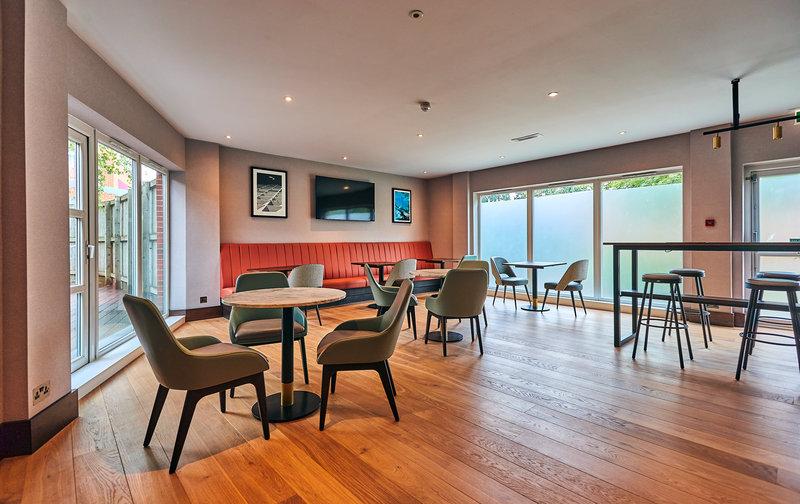 Crowne Plaza Marlow-Club Lounge<br/>Image from Leonardo