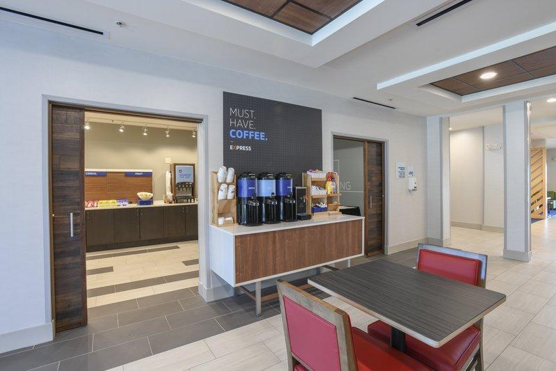 Holiday Inn Express & Suites Richwood - Cincinnati South-Breakfast Area<br/>Image from Leonardo
