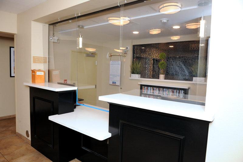 Candlewood Suites Santa Maria-Hotel Front Desk <br/>Image from Leonardo