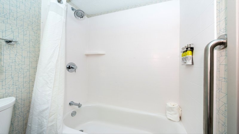 Holiday Inn Express Cincinnati West-Guest Bathroom Two Queen Beds<br/>Image from Leonardo