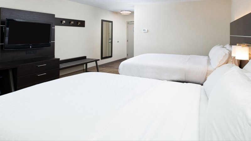 Holiday Inn Express Cincinnati West-Spacious rooms with 2 queen beds near Newport Aquarium<br/>Image from Leonardo