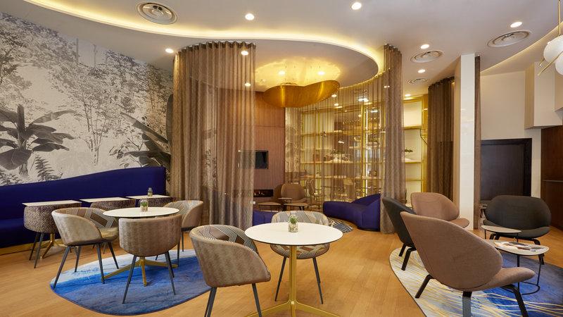Crowne Plaza Paris - Charles de Gaulle-Guest Lounge<br/>Image from Leonardo