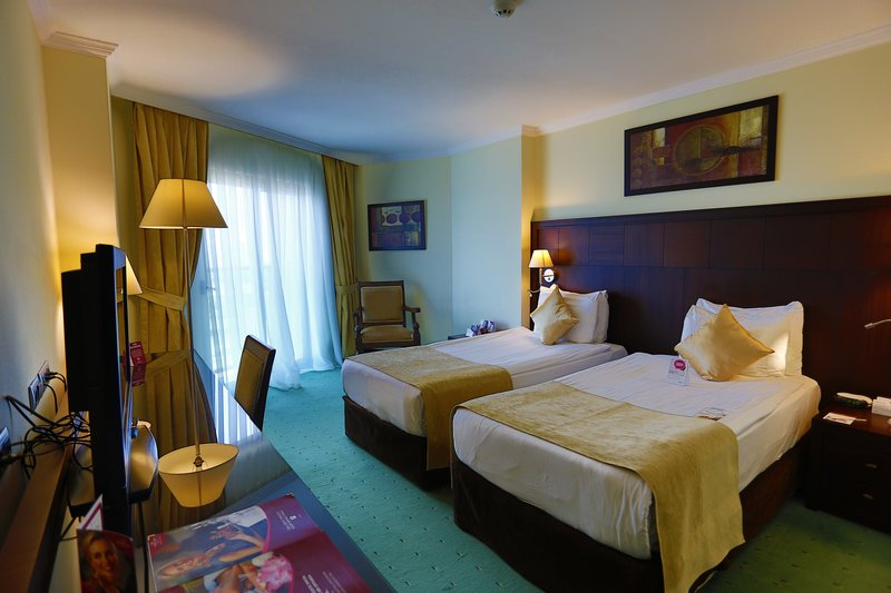 Crowne Plaza Antalya-Twin room<br/>Image from Leonardo