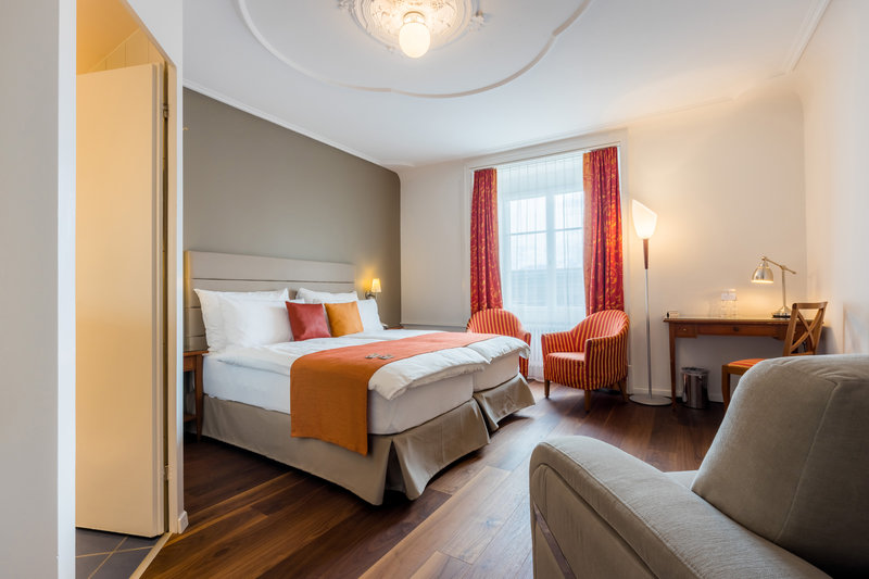 Hotel Des Alpes-Double Room Sofabed<br/>Image from Leonardo