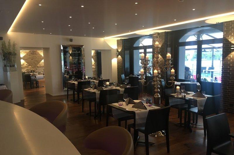 Hotel Des Alpes-Restaurant<br/>Image from Leonardo