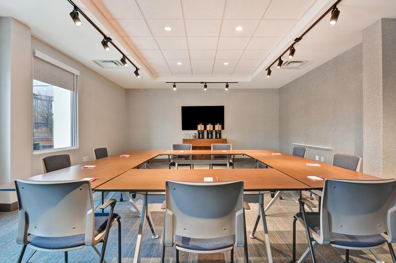 Aloft Secaucus Meadowlands-Tactic Room - Hollow Square Meeting<br/>Image from Leonardo