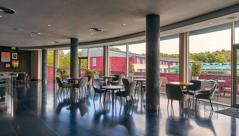 Crowne Plaza Marlow-Terrace Bar<br/>Image from Leonardo
