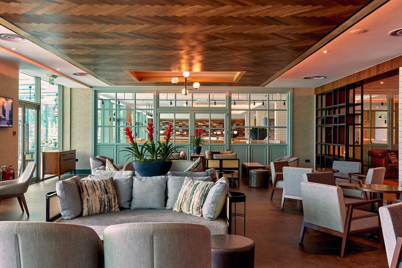 Crowne Plaza Marlow-Aqua Bar<br/>Image from Leonardo
