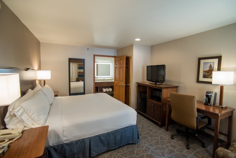 Holiday Inn Express South Lake Tahoe-King Room<br/>Image from Leonardo