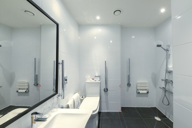 Crowne Plaza Plymouth-This bathroom includes toiletries and is wheelchair accessible<br/>Image from Leonardo